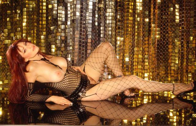 Tiffany Darwish desnuda
