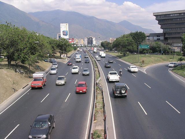 Cerrarán tramo de la autopista Francisco Fajardo este domingo