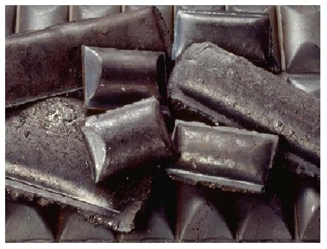 Briquetas de hierro. En Venezuela algunas plantas producen briquetas a partir de las pellas de hierro / archivo