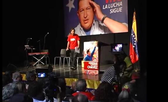Pablo Iglesias franela Chavez 2