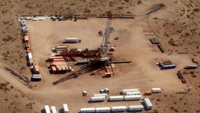 Argelia adelanta un ambicioso programa de inversión en gas de lutitas utilizando fracturamiento hidráulico (fracking)