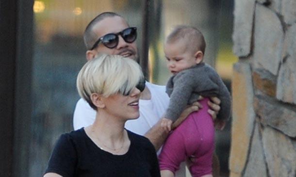 Conoce a la bebé de Scarlett Johansson (Fotos) - Linkis.com Ryan Reynolds