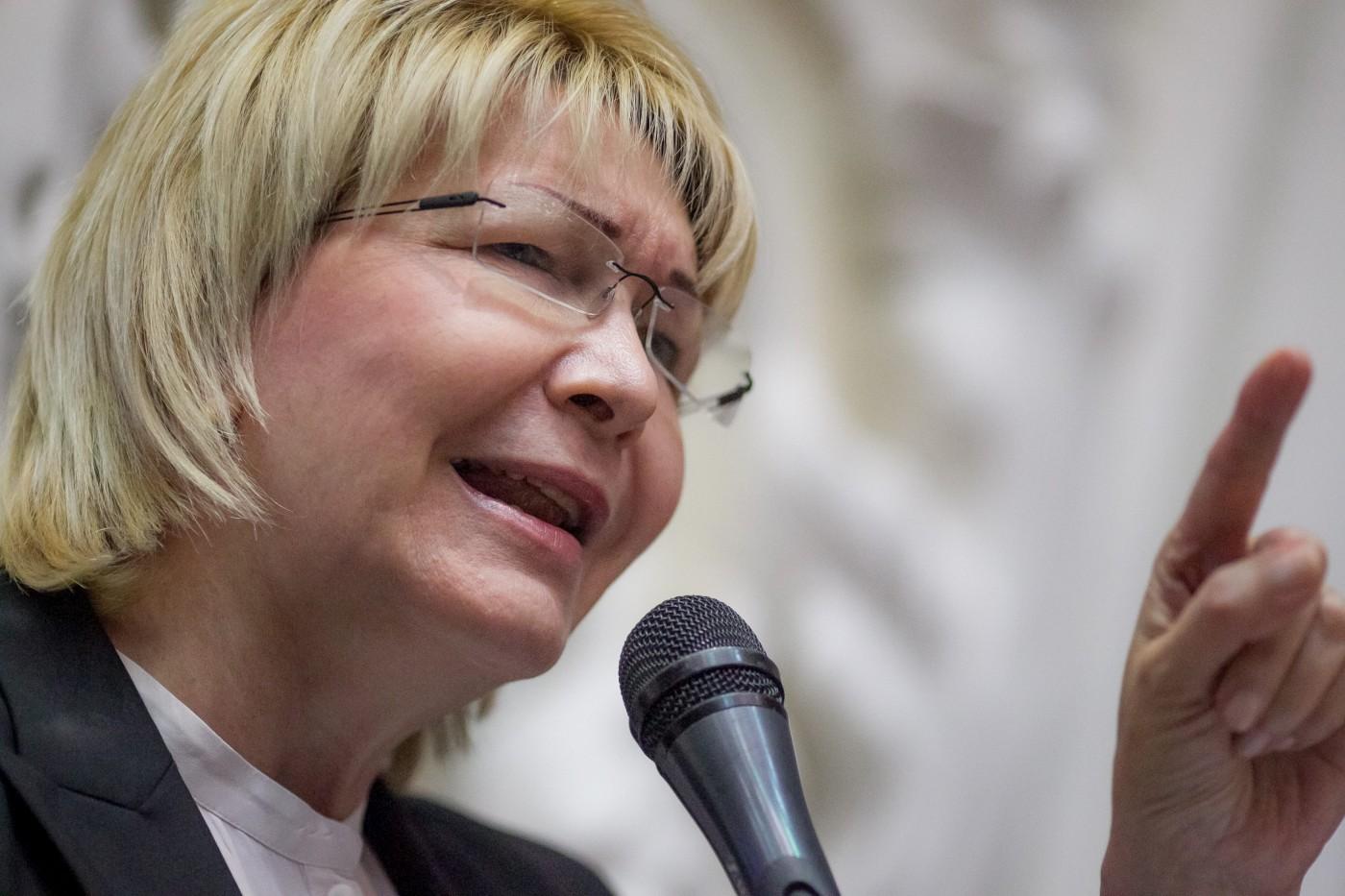 Fiscal venezolana: Juicio político y disolución del Congreso son inconstitucionales