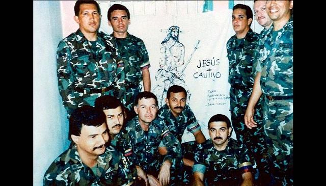 Resultado de imagen para chavez preso en 1992