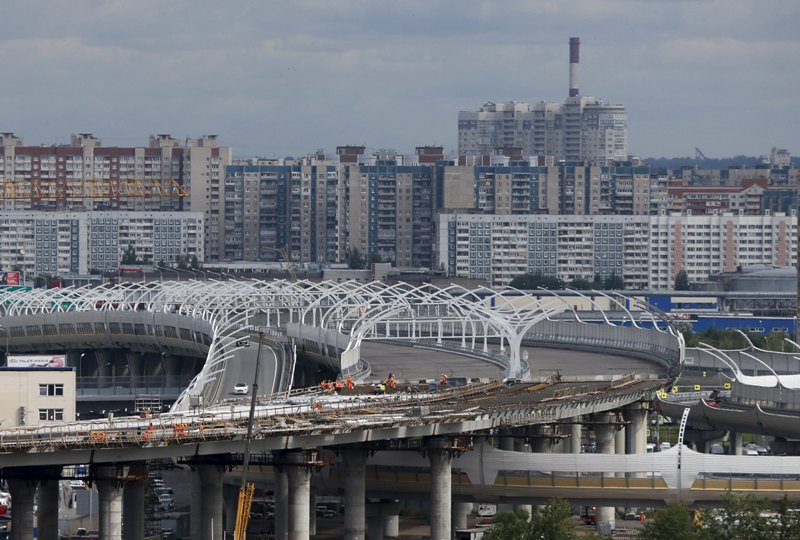 Foto: Una vista general de una carretera en construcción de la Diametro de alta velocidad occidental en San Petersburgo, Rusia, 20 de julio de 2015. San Petersburgo es una de las ciudades rusas que serán sede de la Copa Mundial 2018 / REUTERS
