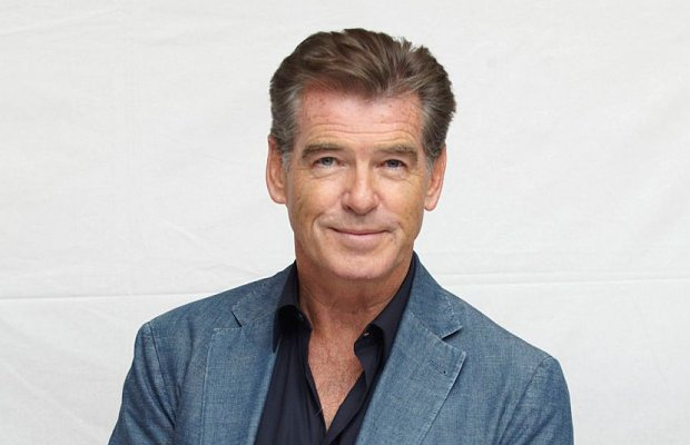 https://www.lapatilla.com/site/wp-content/uploads/2015/08-25/Pierce_Brosnan_3018004b.jpg