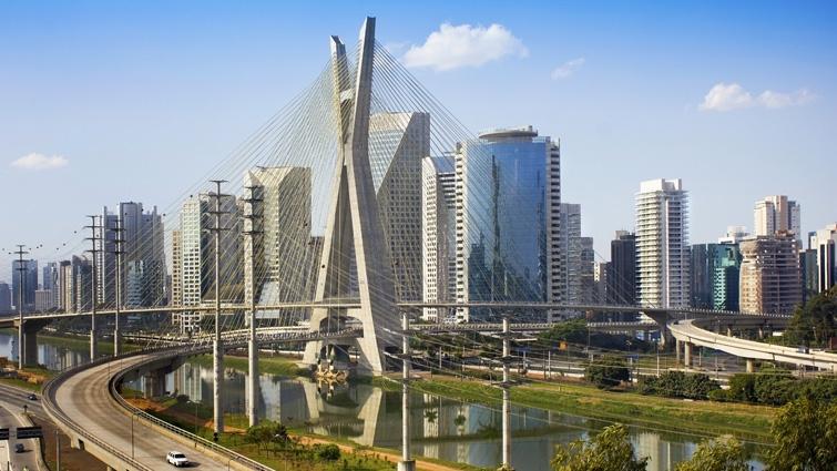 São_Paulo_Brasil-CC-YB-SA-wikipedia