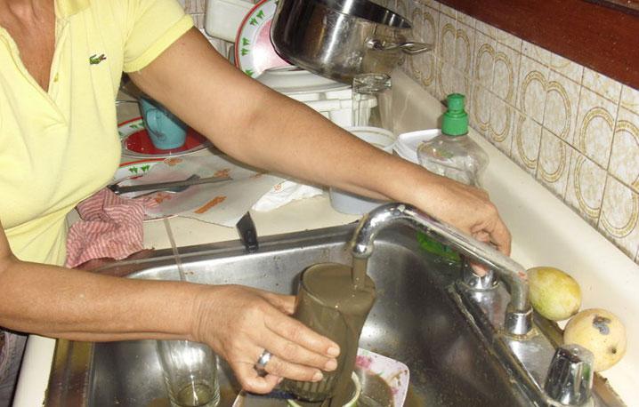 Resultado de imagen para agua sucia en venezuela