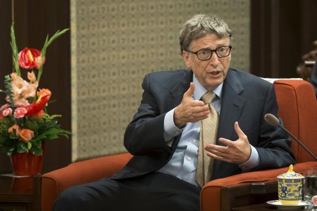 El cofundador de Microsoft Bill Gates en una reunión con el primer ministro chino, Li Keqiang, en Pekín, nov 12, 2015. Reuters