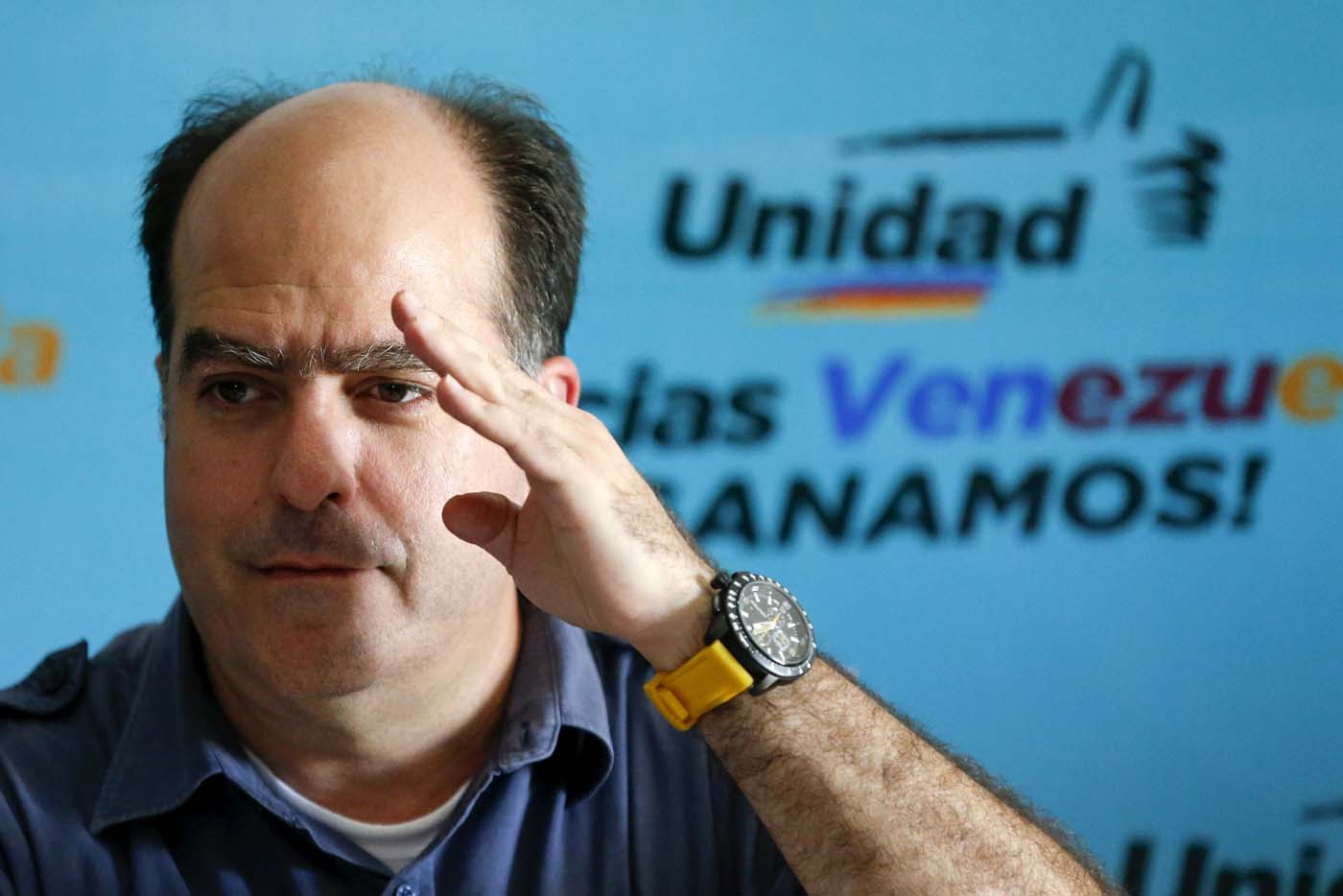 Julio Borges, a new elected deputy from Venezuelan coalition of opposition parties (MUD), gestures during a news conference in Caracas, Venezuela, December 11, 2015. REUTERS/Carlos Garcia Rawlins