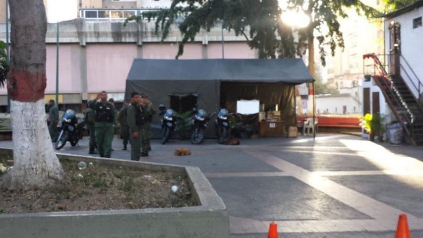 Plaza La Concordia sigue custodiada por GNB en normalidad, luego del suceso con la granada. Foto: @edesousa_gv