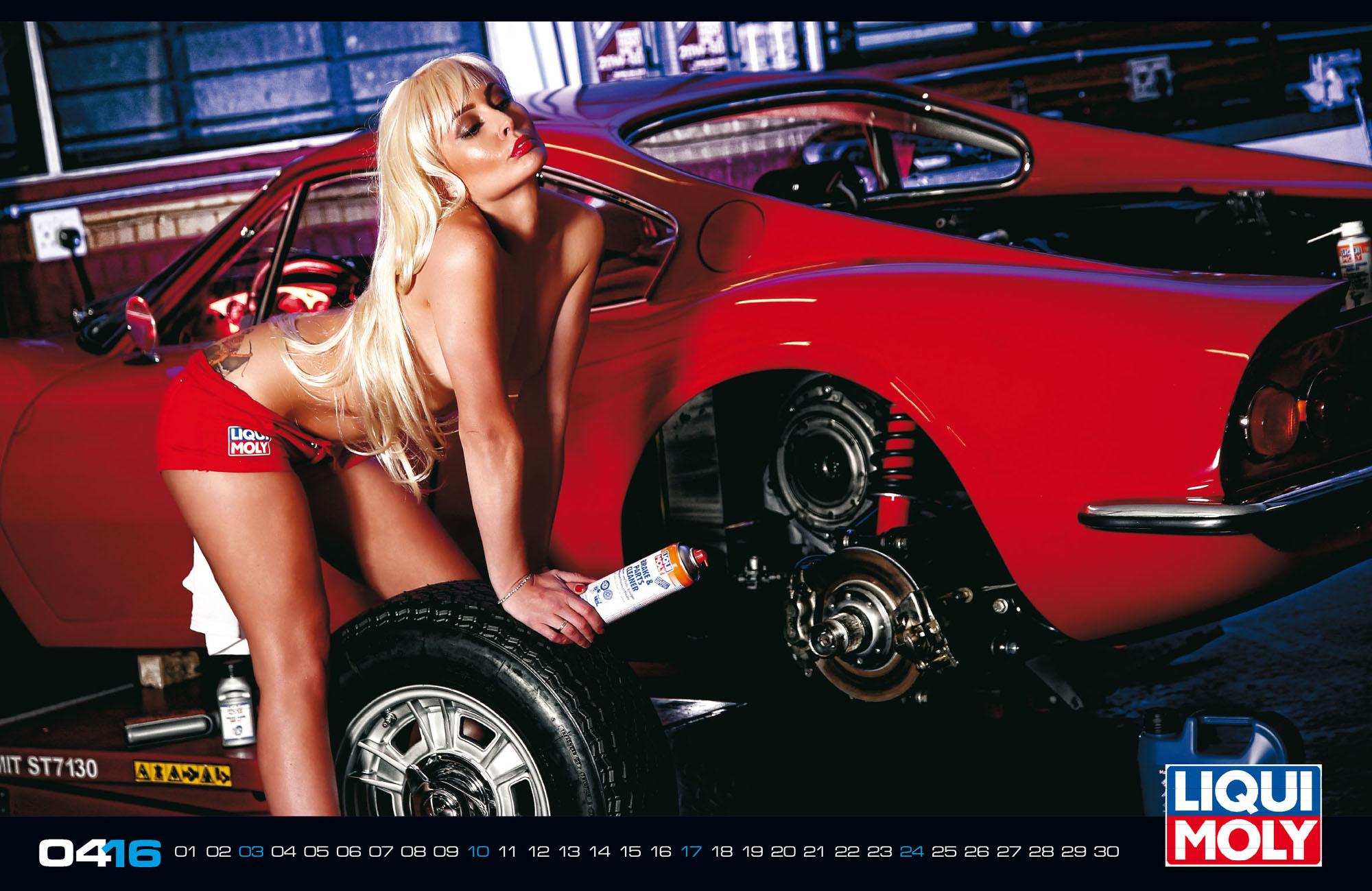 Nenas y Naves… edición especial Calendario HOT 2016 (WOW)