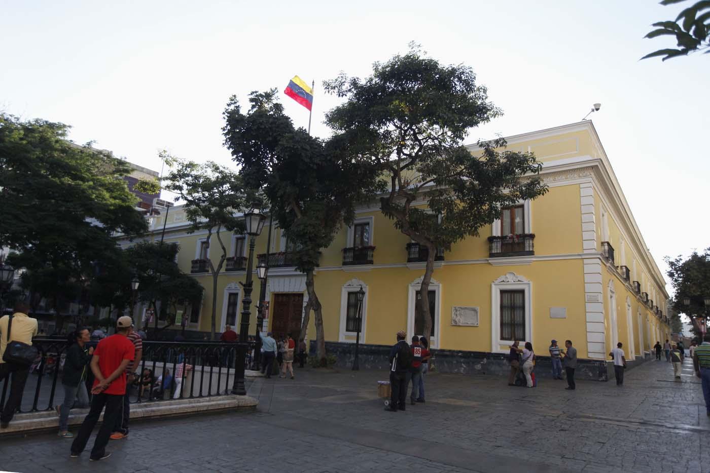 Imagen de la Casa Amarilla en Caracas. Foto: Archivo