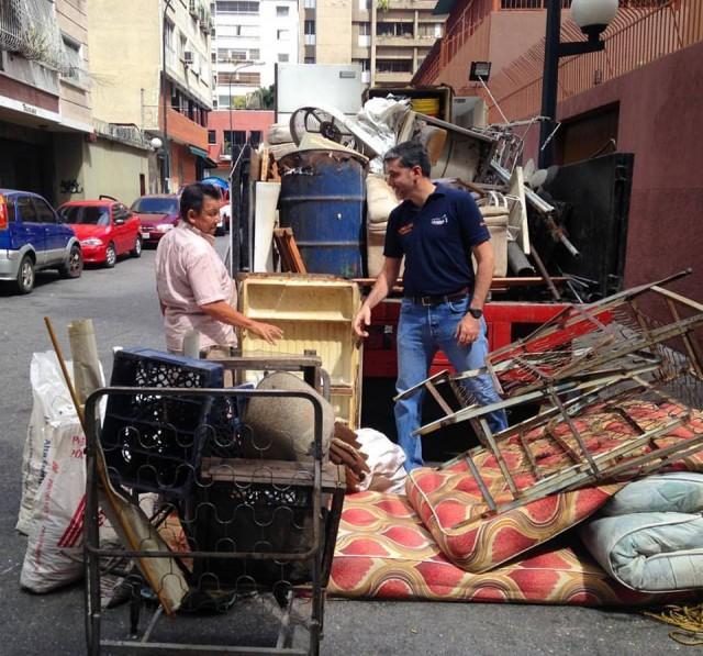 Concejal Alfredo Jimeno realizó jornada integral Todo por Chacao desde el callejón Codazzi (1)