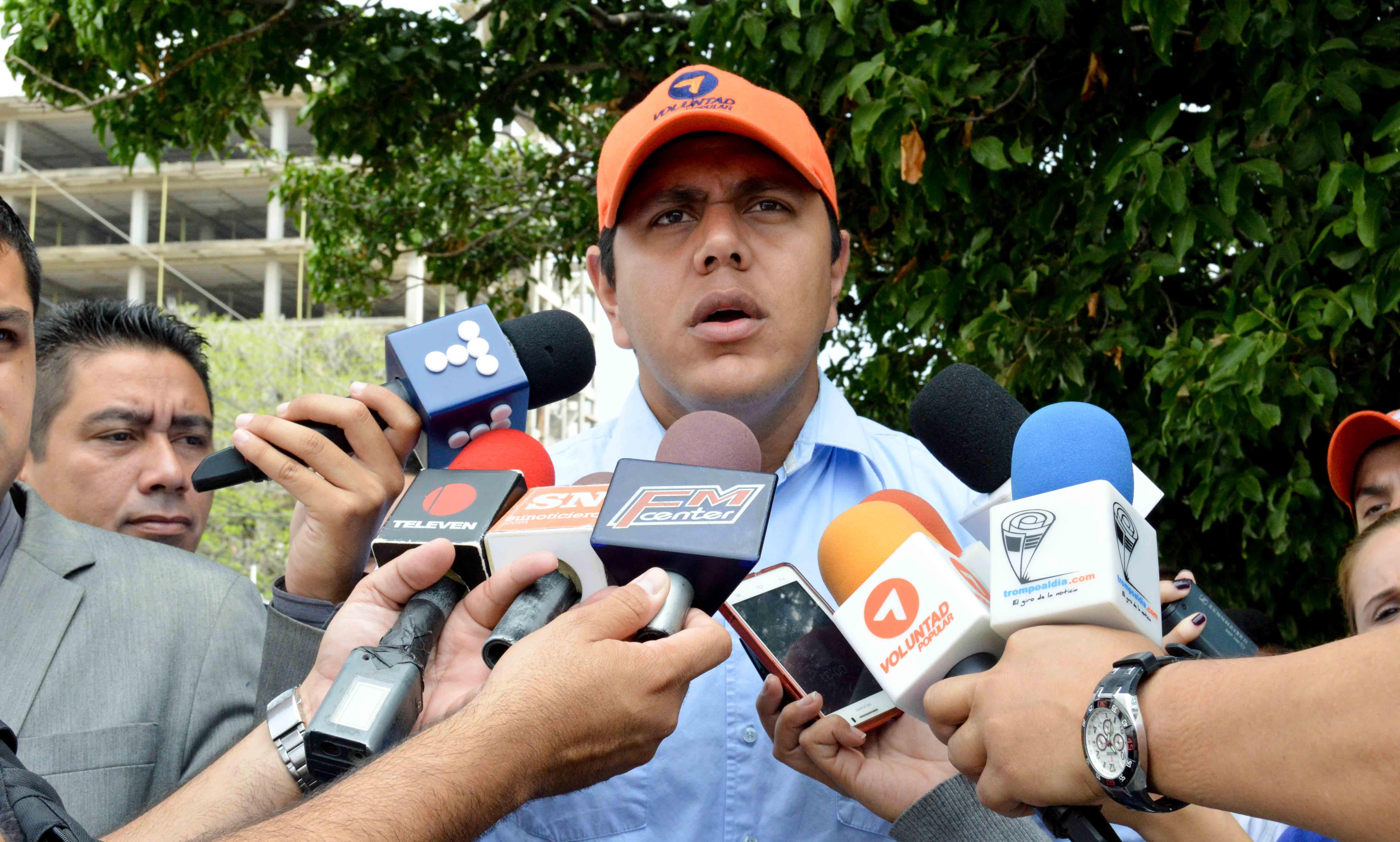 LESTER TOLEDO -  RACIONAMIENTO AGUDO DE AGUA - 13F