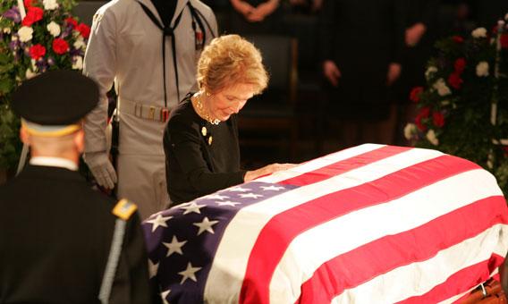 Nancy Reagan En el funeral de su esposo el expresidente Ronald Reaga
