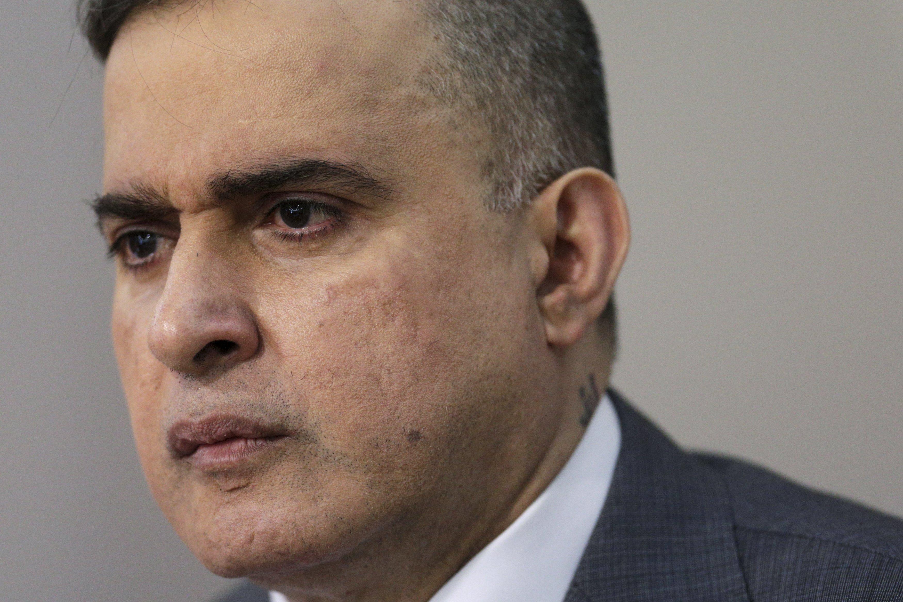 """Defensor califica como """"poco seria"""" denuncia interpuesta ante La Haya contra Maduro"""