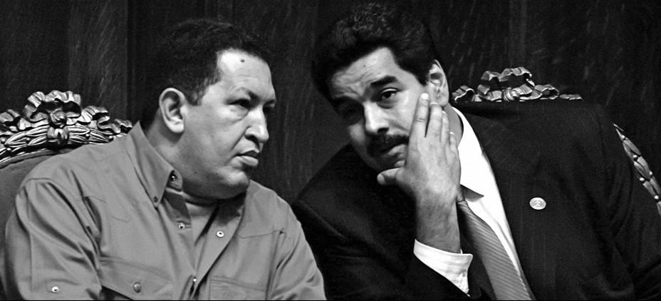 """Hugo Chávez y Nicolás Maduro, los dos presidentes de """"la revolución"""" / Foto: Cortesía de Gatopardo"""