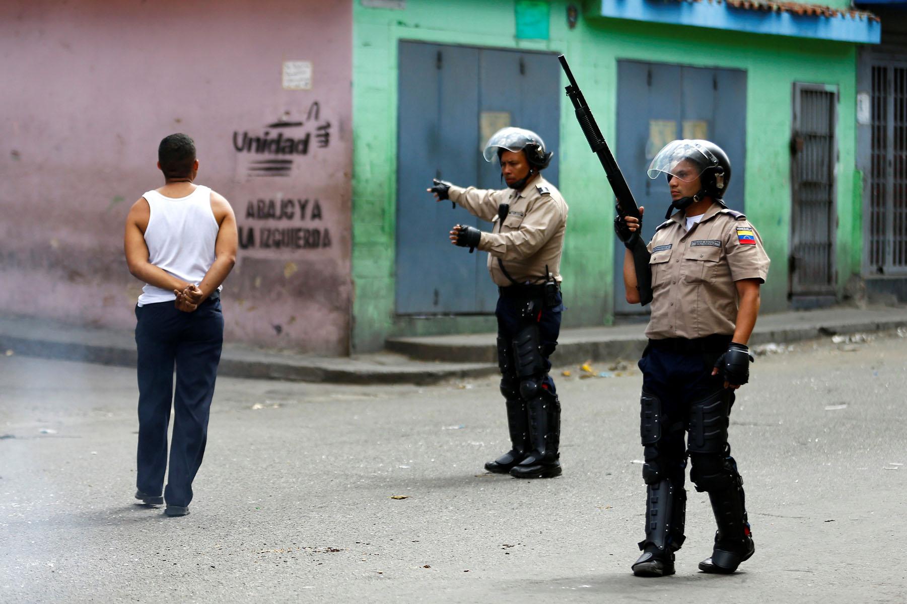 Tag 10jun en El Foro Militar de Venezuela  LaVega-CCS-12