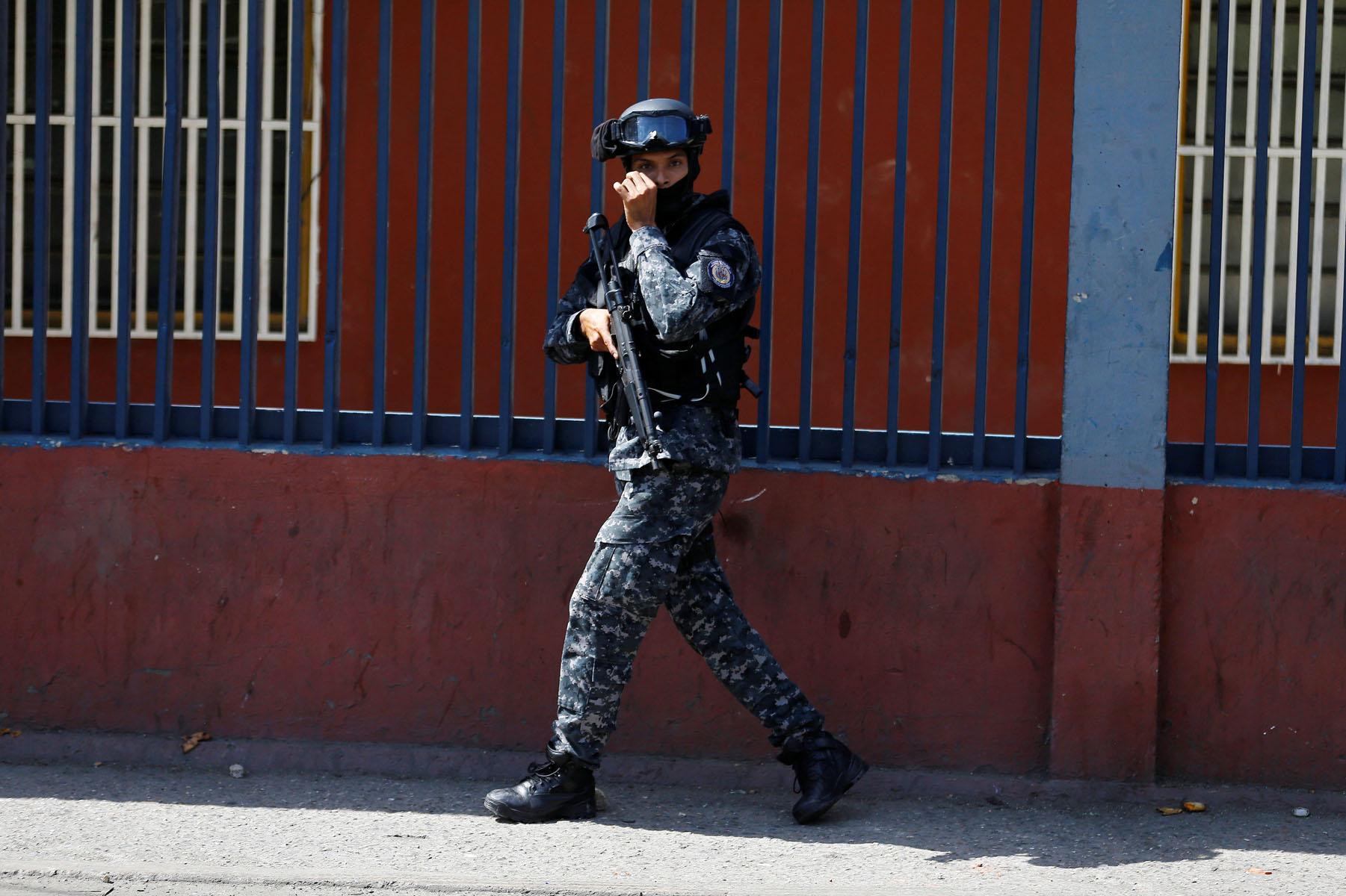 Tag 10jun en El Foro Militar de Venezuela  LaVega-CCS-17