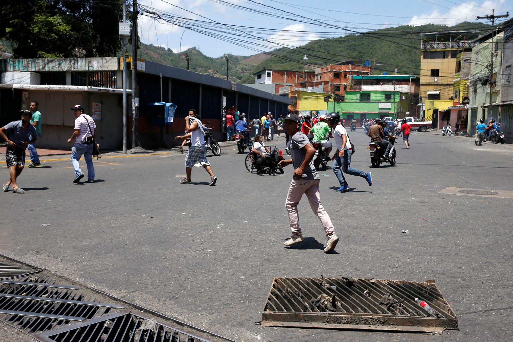 Tag 10jun en El Foro Militar de Venezuela  LaVega-CCS-4