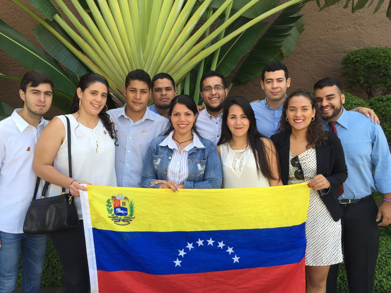 Jovenes OEA