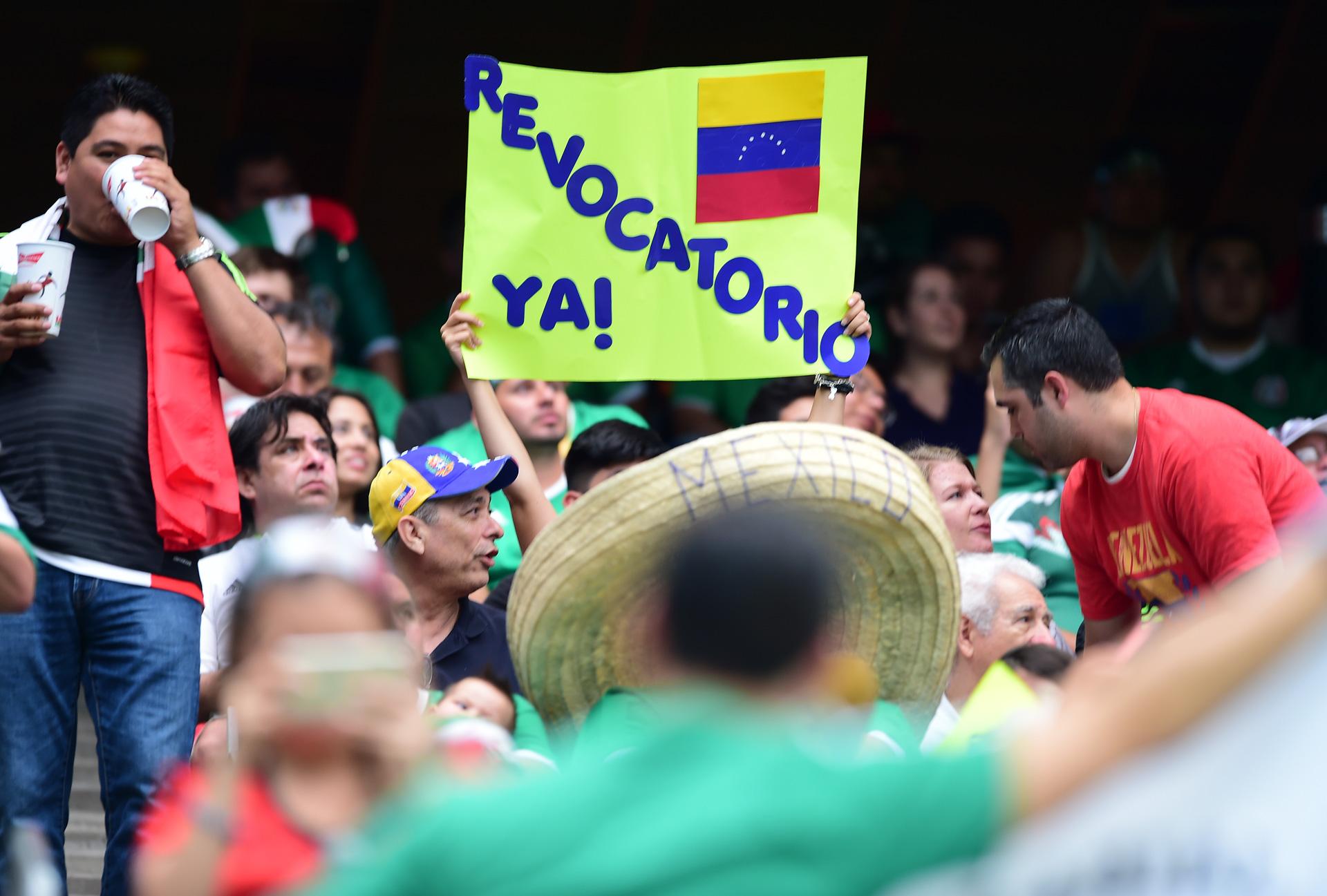 Pancartas-Venezuela-Mexico