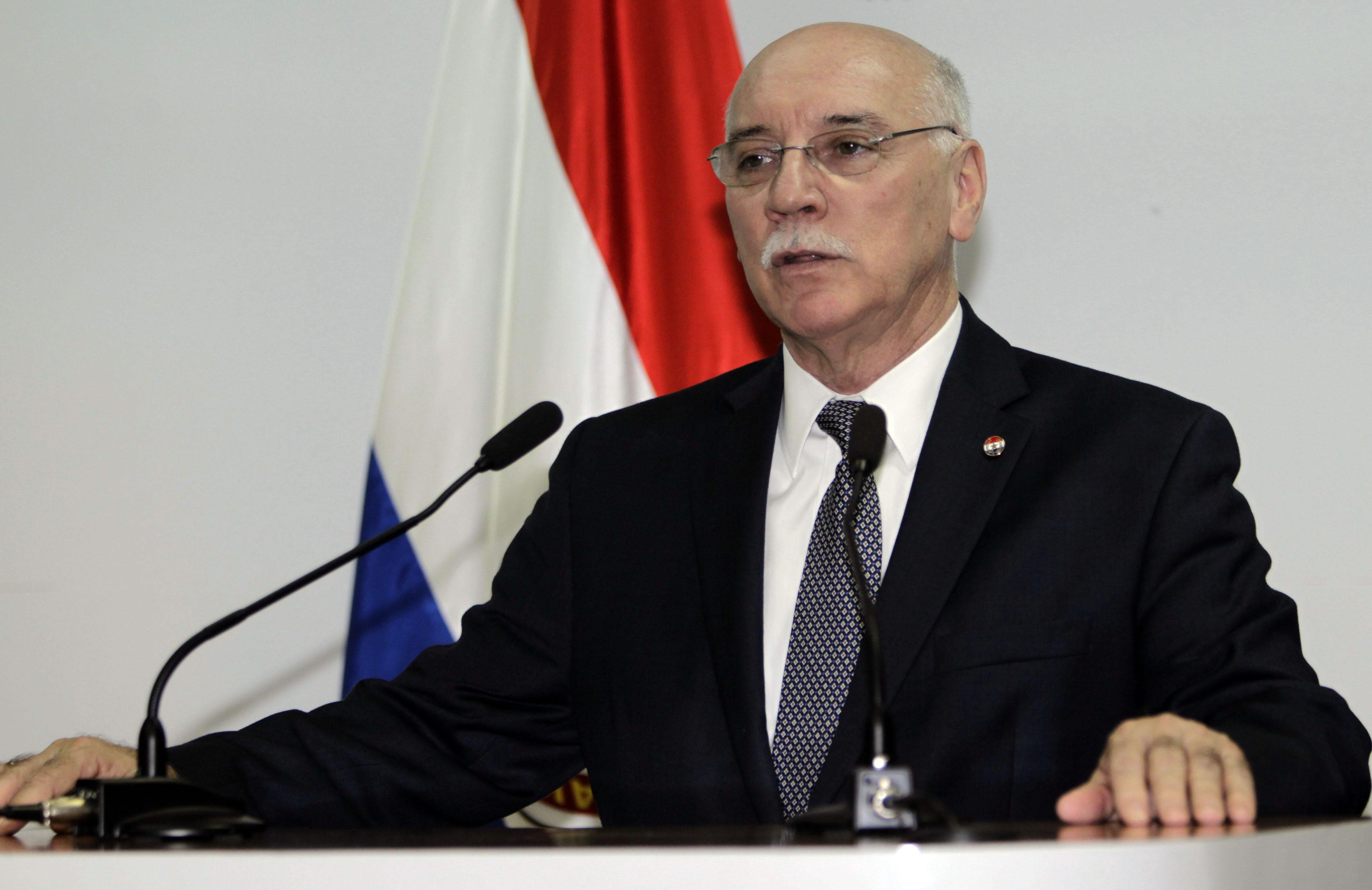 El Ministro de Relaciones Exteriores de Paraguay, Eladio Loizaga (Foto EFE/Andrés Cristaldo)