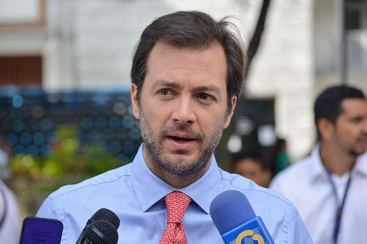 https://www.lapatilla.com/site/wp-content/uploads/2016/07-11/Alcalde-Ram%C3%B3n-Muchacho.jpg