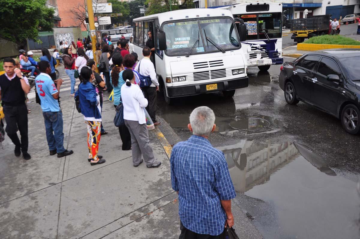 Transportistas tienen acceso a suministros en proveedurías — Molina