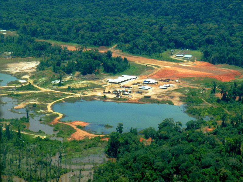 Vista aérea de la instalaciones en la mina Toroparu en el Esequibo / foto Sandspring