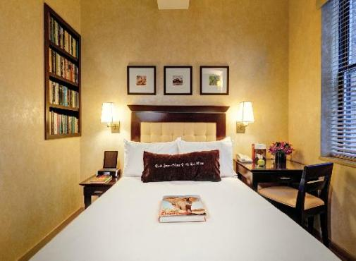 3_library-hotel