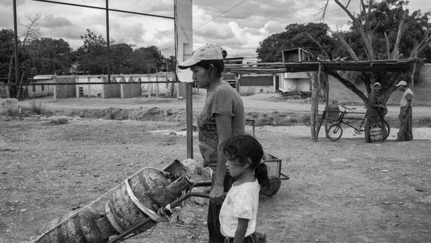 Venezuela, la potencia petrolera donde no queda ni gas para cocinar