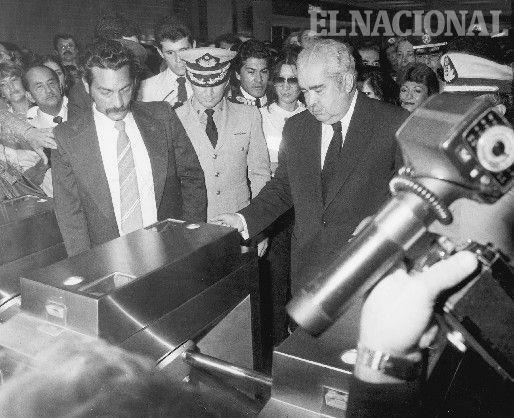 Venezuela antes de Chavez - Página 4 MetrodeCaracas-inauguracion-11