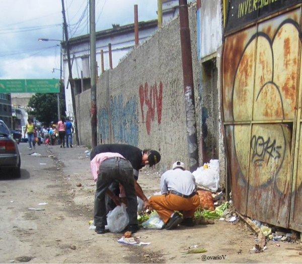 Venezolanos-comiendo-desechos (3)