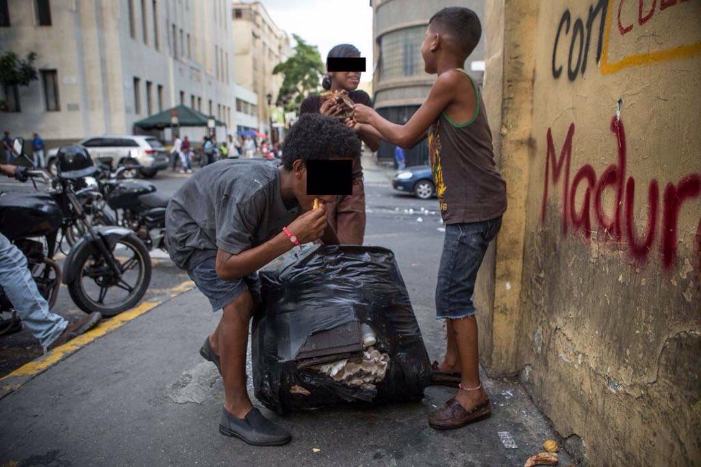 Venezolanos-comiendo-desechos (5)