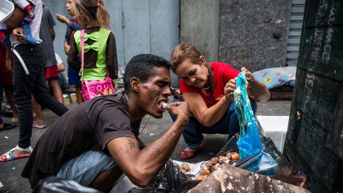Venezolanos-comiendo-desechos (6)
