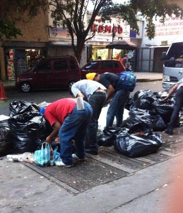 Venezolanos-comiendo-desechos (8)