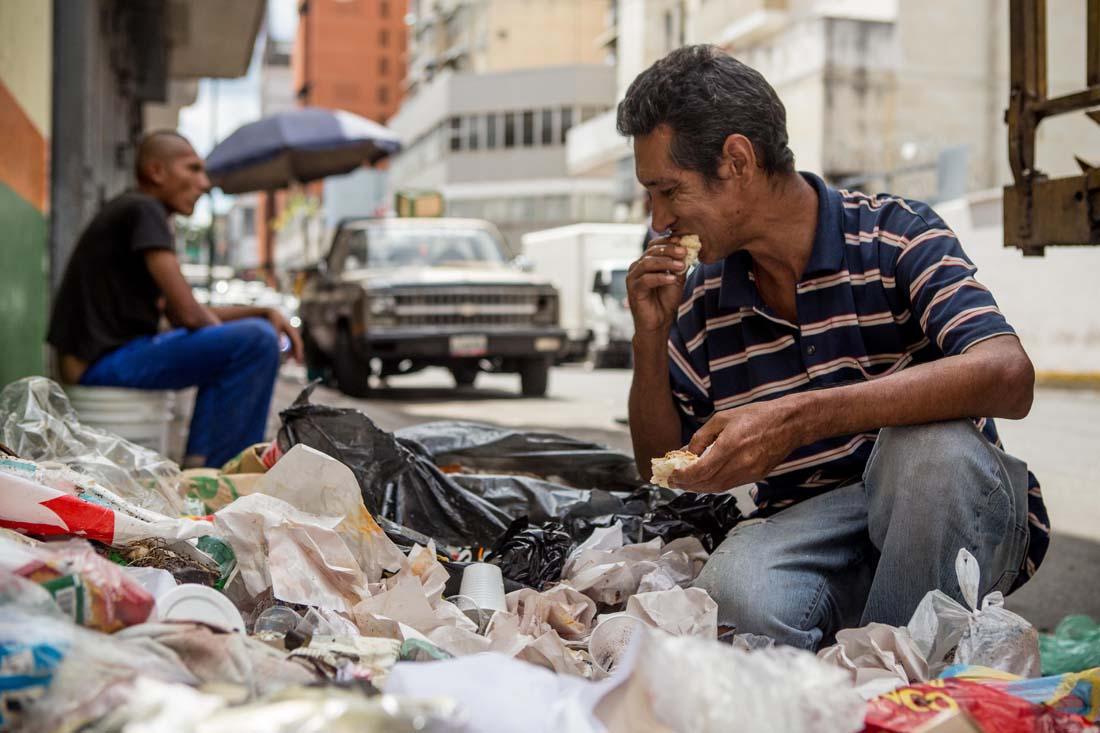Venezolanos-comiendo-desechos (9)