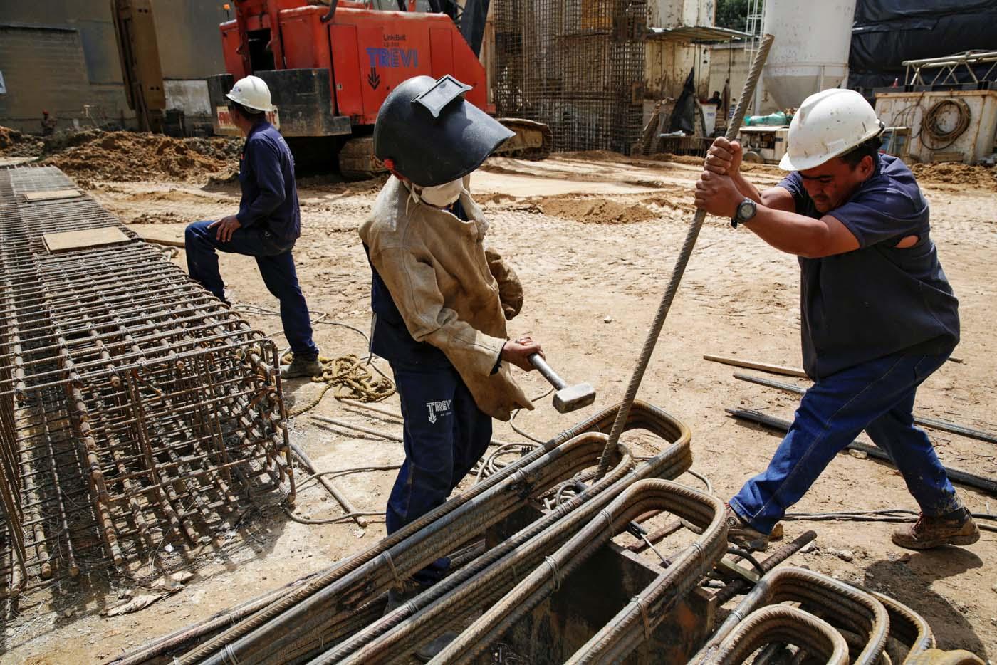 2016-10-07T114923Z_1479035300_D1AEUFPCRZAA_RTRMADP_3_VENEZUELA-CONSTRUCTION