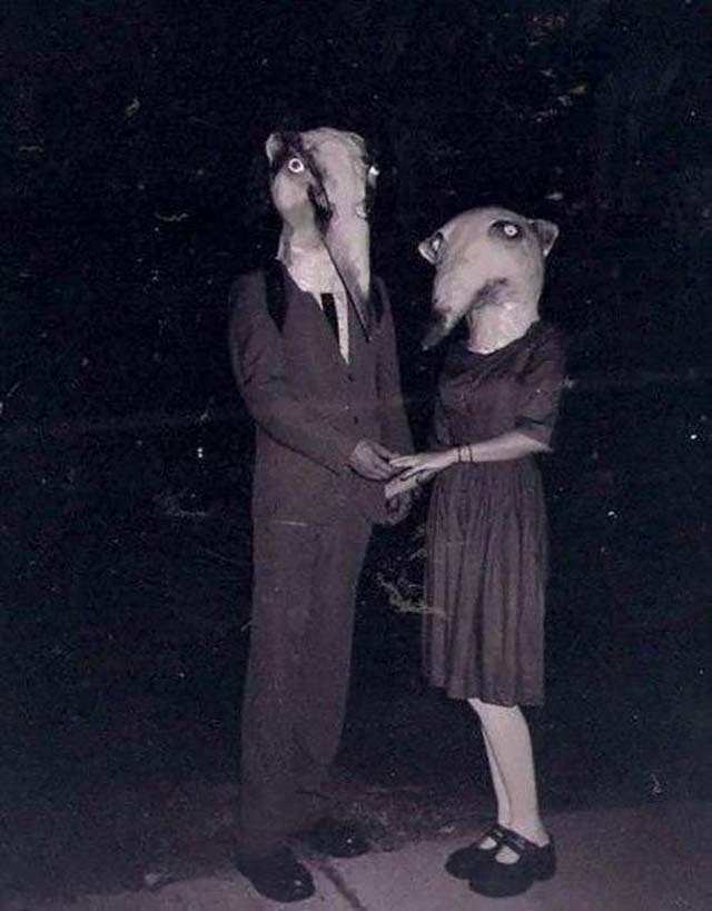 scary-vintage-halloween-creepy-costumes-22-57f64f7bbd5d3__605
