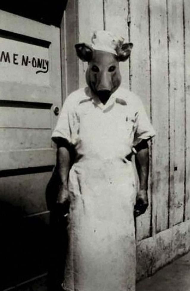 scary-vintage-halloween-creepy-costumes-49-57f666706eb28__605