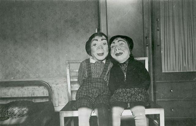 scary-vintage-halloween-creepy-costumes-66-57f750cb7b177__605