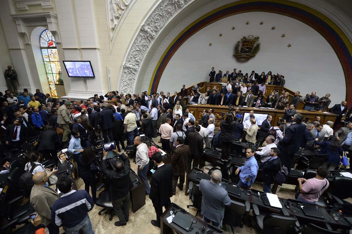 Gobierno de Nicolas Maduro. - Página 18 000_HF3C6