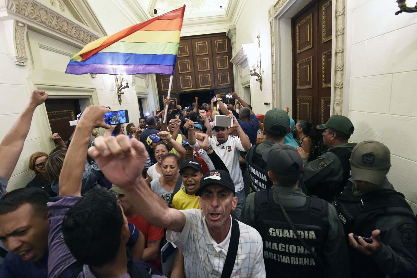 Gobierno de Nicolas Maduro. - Página 18 000_HF3CO