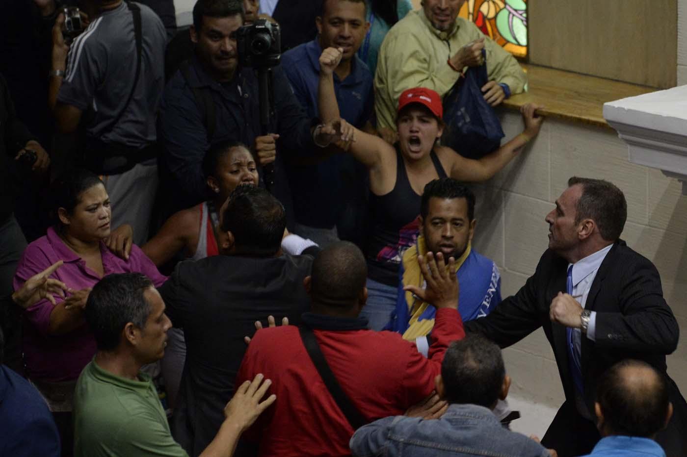 Gobierno de Nicolas Maduro. - Página 18 000_HF3DS-2
