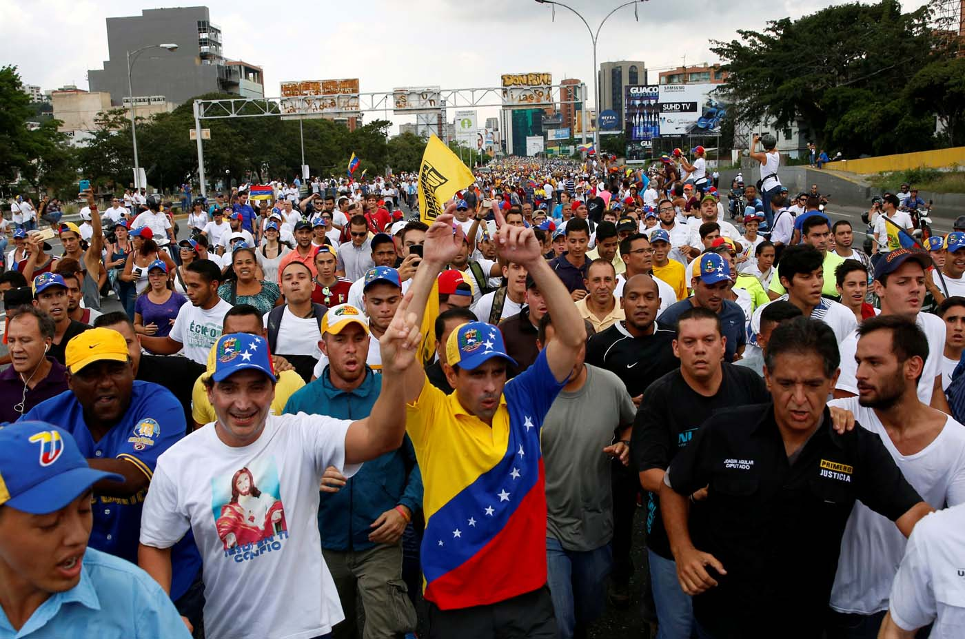 2016-10-26T172855Z_893966361_S1AEUJFRFZAA_RTRMADP_3_VENEZUELA-POLITICS
