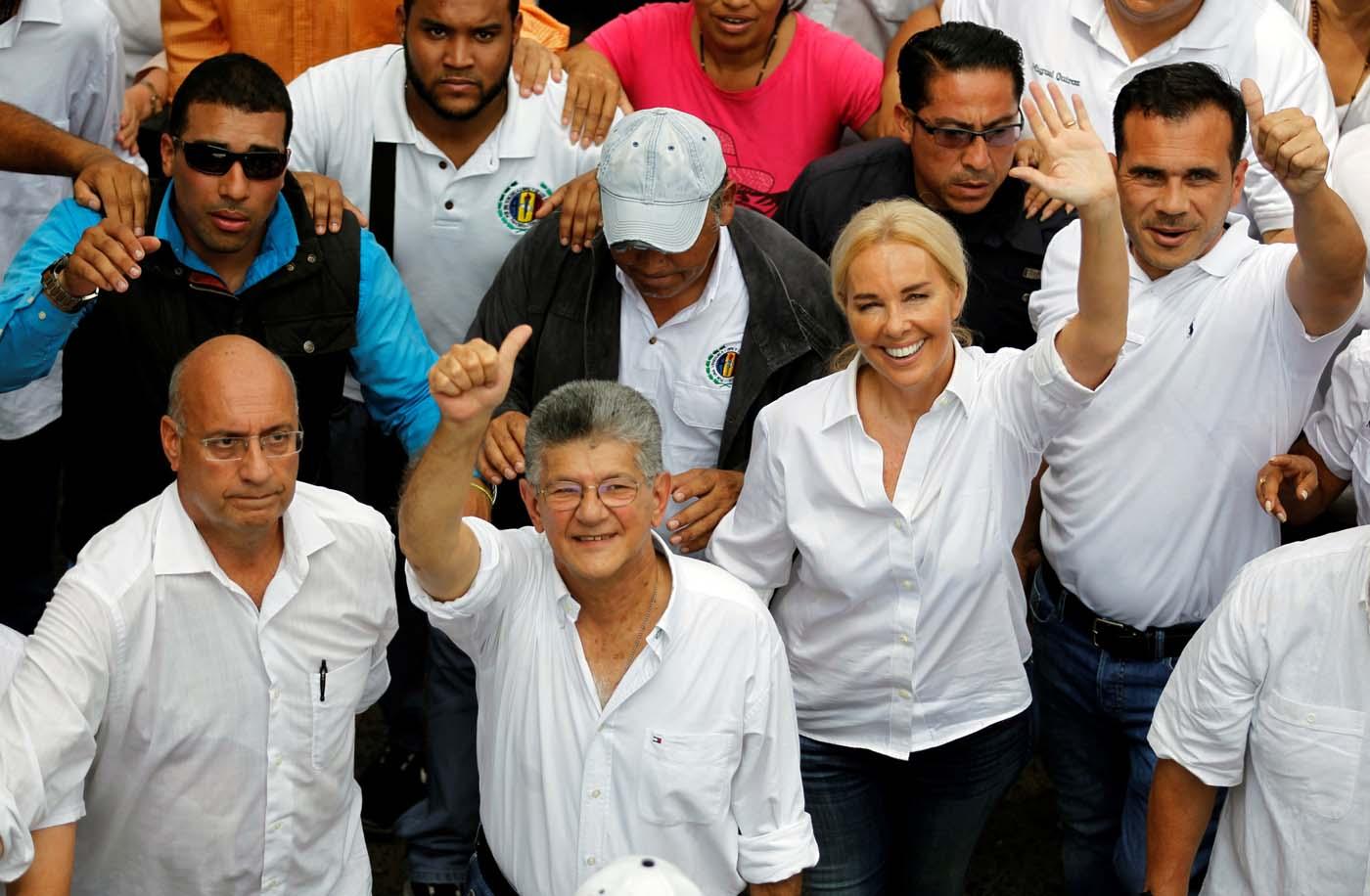 2016-10-26T174445Z_2124706263_S1AEUJFSQNAA_RTRMADP_3_VENEZUELA-POLITICS