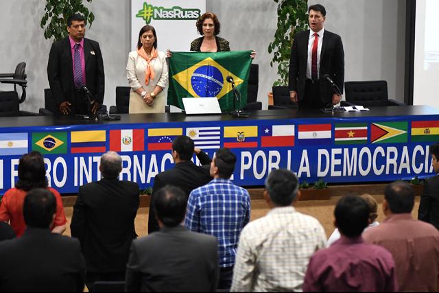 Unasur aplaude comienzo de diálogo entre gobierno y oposición