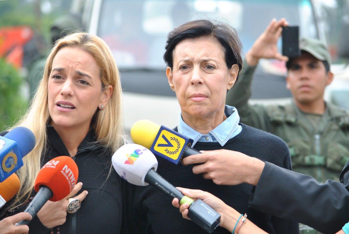 Lilian Tintori logró entrar a Ramo Verde tras más de 170 horas de denunciar aislamiento de López